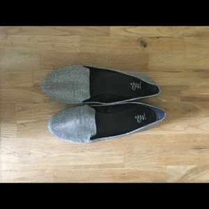 Shoes - Silver Flats size 8